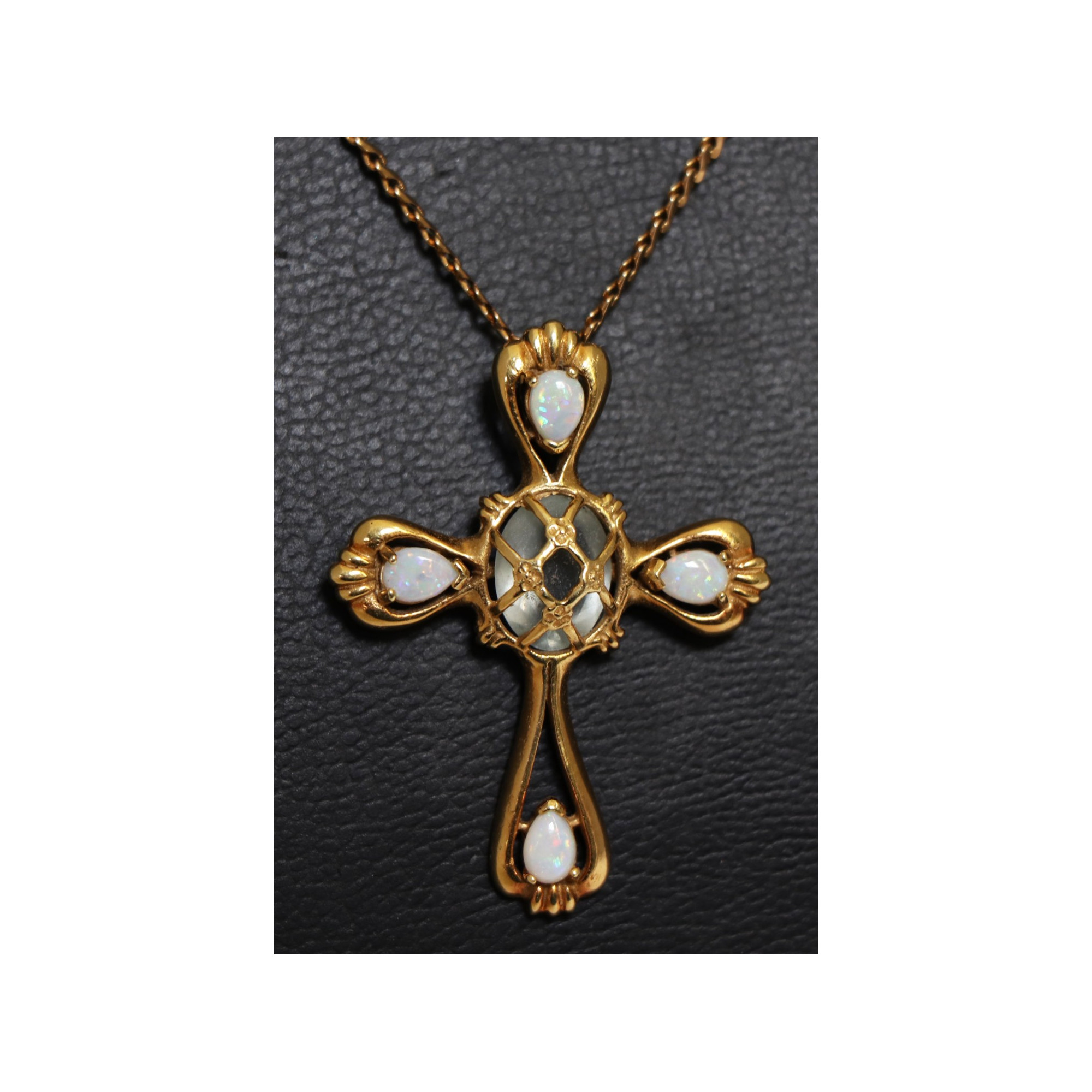 Cross and Chain in 18K Gold Opal 14 GR BRUT
